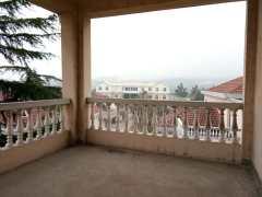 (浉河区)南湖学村联排别墅带大院子5室2厅3卫238万360m²毛坯房 房本在手