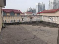 (平桥区)金三角附近金安小区5室3厅3卫165万307m²毛坯房出售 联排别墅 带院 带露台 有钥匙